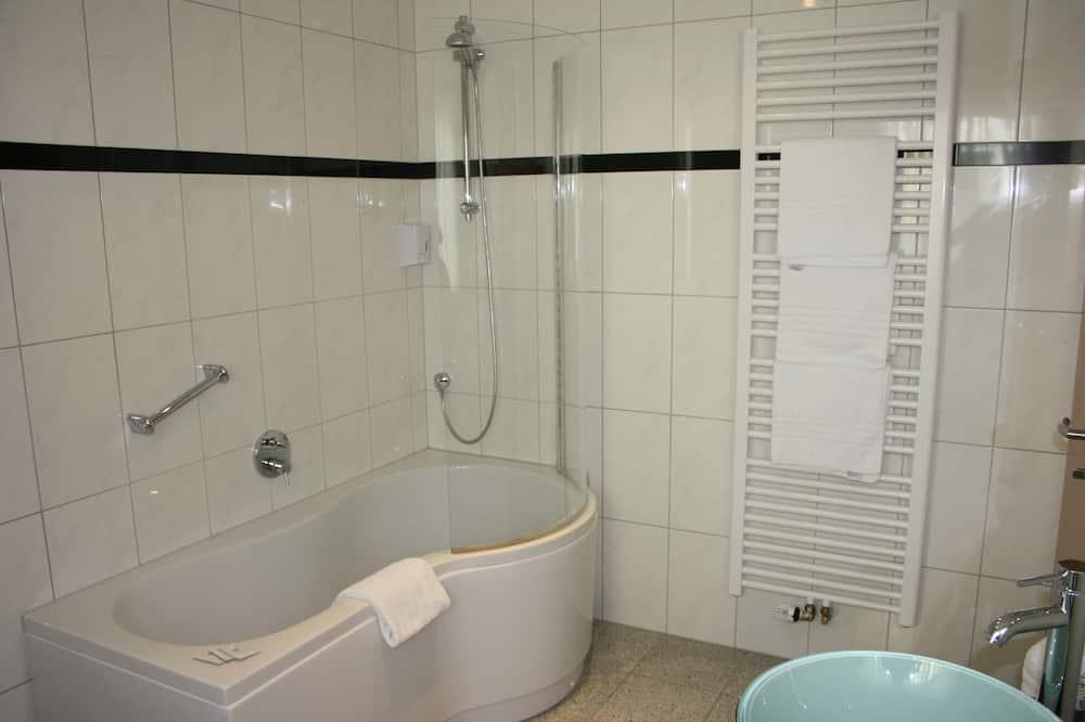 Comfort Triple Room, Balcony - Bathroom