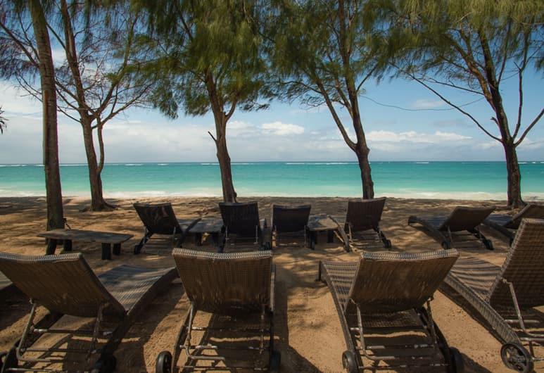 Bahari Dhow Beach Villas, Diani Beach, Beach