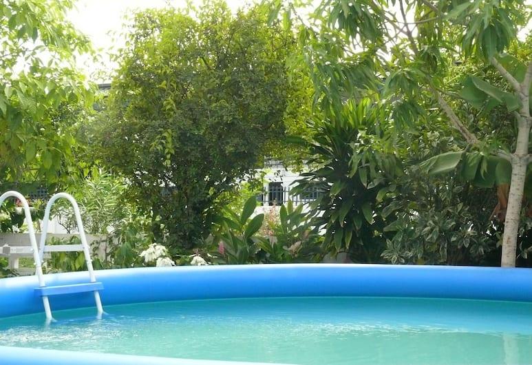 GuestHouse Famiri, Paramaribo, Buitenzwembad