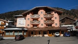 Book this Free Breakfast Hotel in Pinzolo