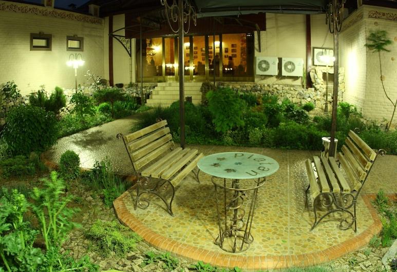 Platan, Samarcanda, Terraza o patio