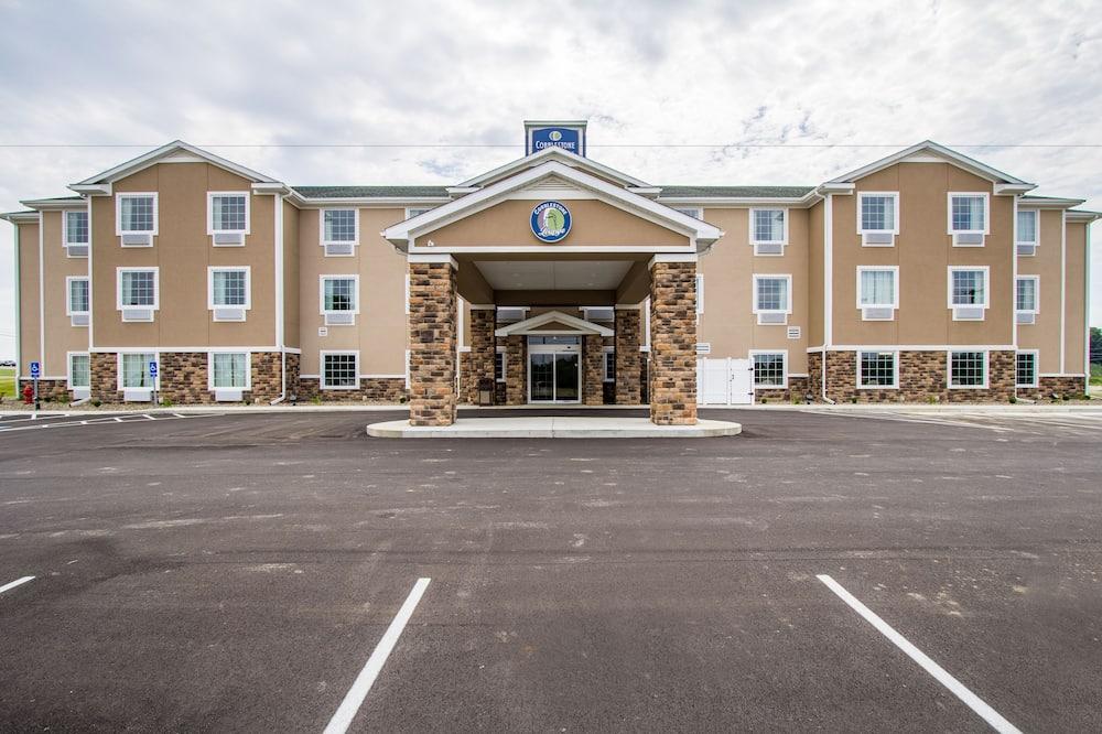 Cobblestone Hotel & Suites - Orrville