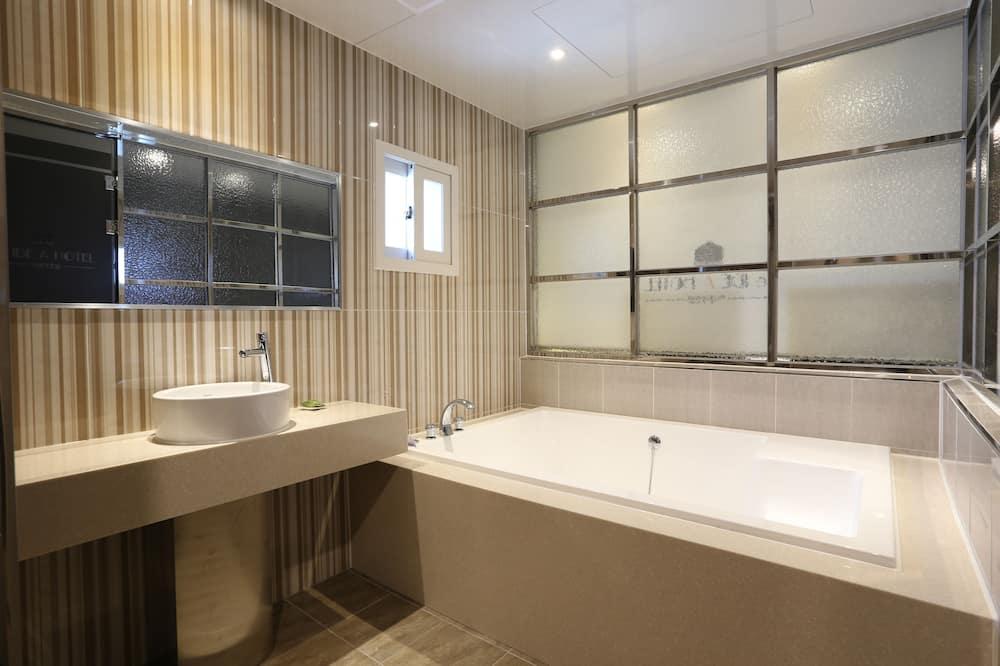 Royal Double Room, 1 Katil Ratu (Queen), Partial Sea View - Bilik mandi
