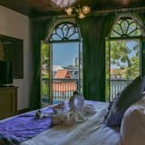 The Grand Boulevard Suite - Guest Room