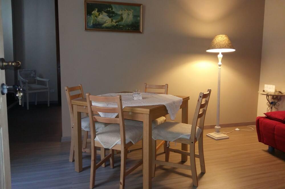 Tremannsrom – deluxe, 1 soverom, ikke-røyk - Bespisning på rommet