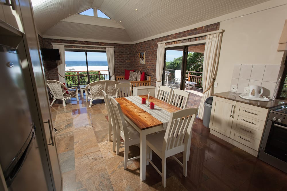 Luxury Chalet, 2 Bedrooms - In-Room Dining