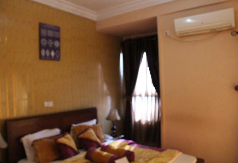 Hotel Mbouoh Star Palace, Dschang, Superior Room, Guest Room