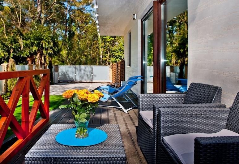 BlueApart Bursztynowa Zatoka Jurata, Jurata, Apartment, 2 Bedrooms, Garden Area (Mestwina 28A/2), Terrace/Patio