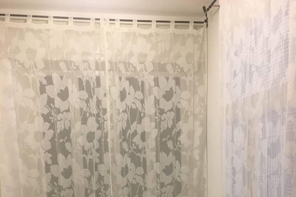 Family Room (Camera 6) - Living Area
