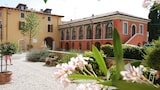 Book this Parking available Hotel in Manerba del Garda