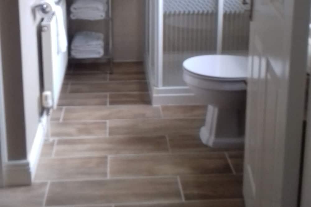 Phòng đôi Tiêu chuẩn, Tầng trệt - Phòng tắm