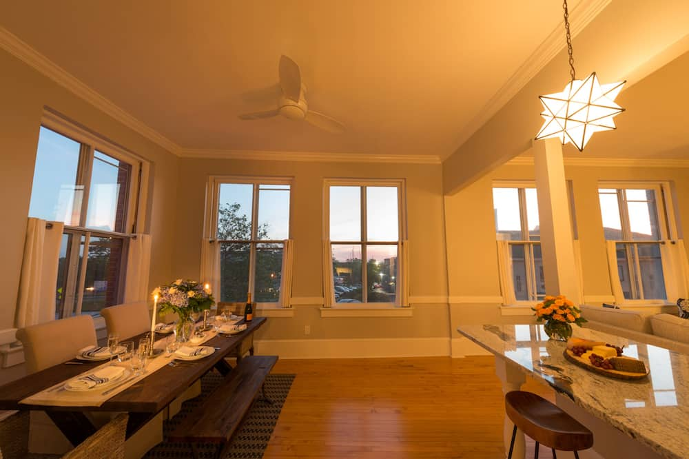 Luxury Loft, 2 Bedrooms, Balcony, Harbor View - In-Room Dining