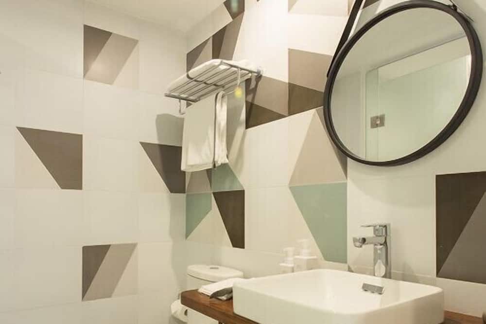 豪华一房 - 浴室