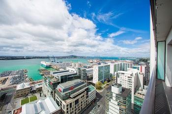 Auckland bölgesindeki Breathtaking Ocean View Two-Bedroom Apartment resmi