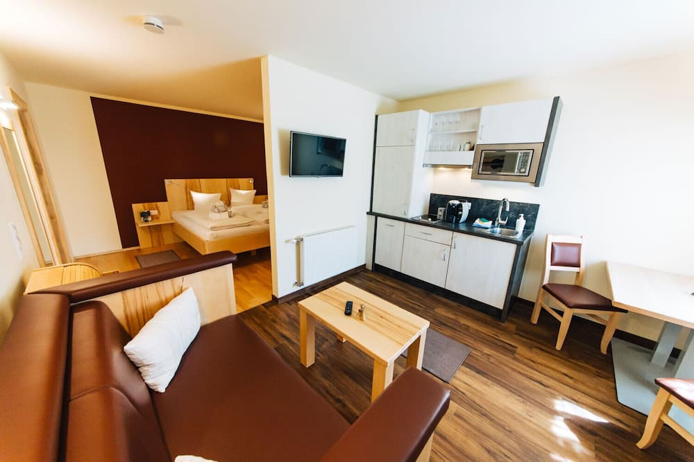 Basic Studio (Top 1) - Living Area