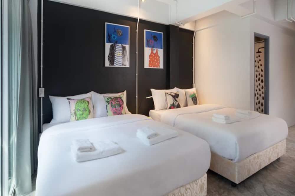 Deluxe 2 Queen Beds with Balcony - Guest Room