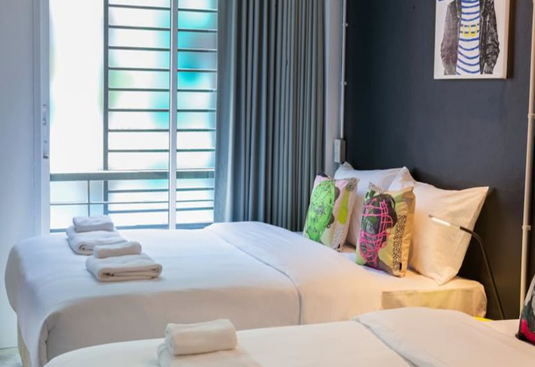 W1A Jomtien, Pattaya, Deluxe 2 Queen Beds with Balcony, Phòng