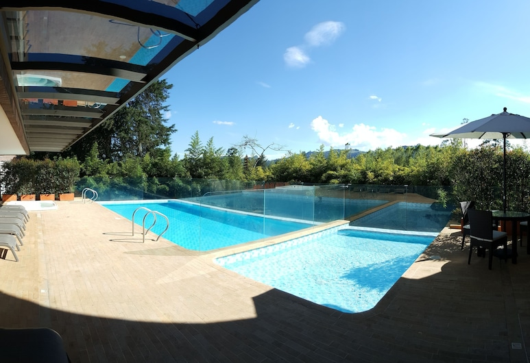 MG Hotels and Suites by DecO, Rionegro, Pool