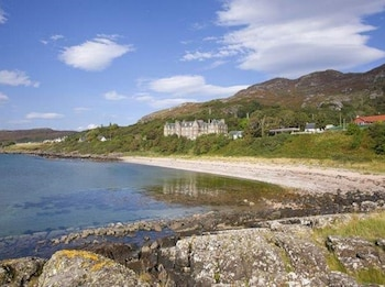Enter your dates for our Gairloch last minute prices