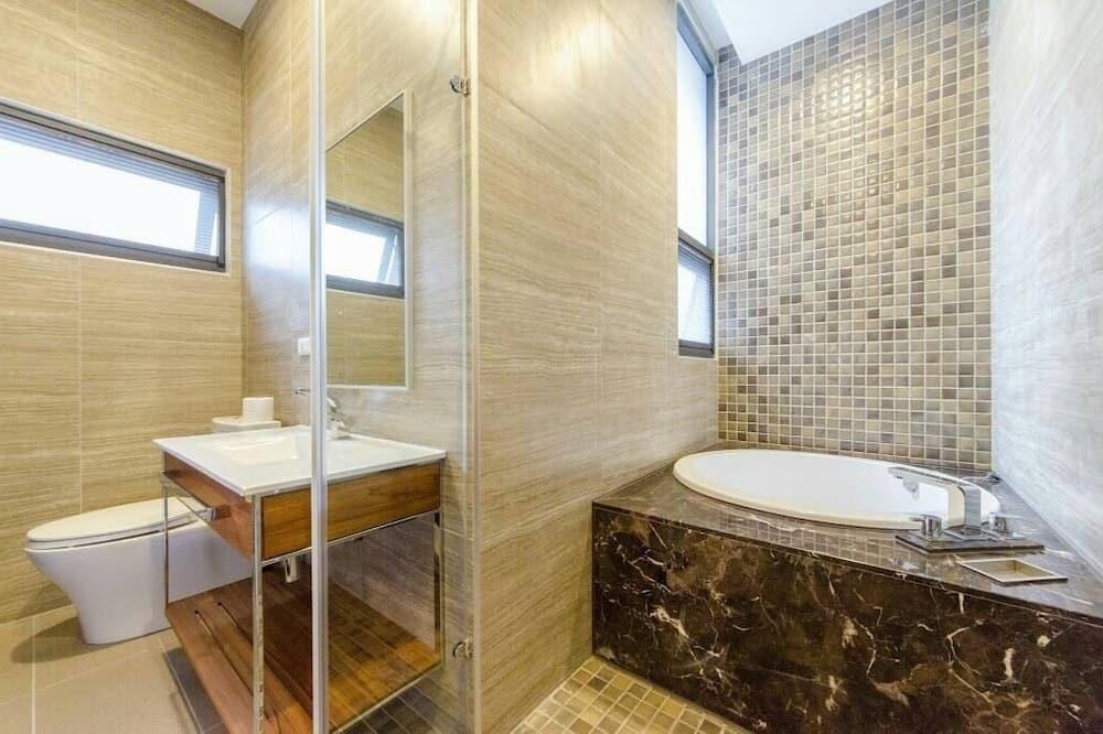 Dvojlôžková izba typu Superior, vírivka - Kúpeľňa