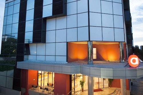 โรงแรมอมาริส