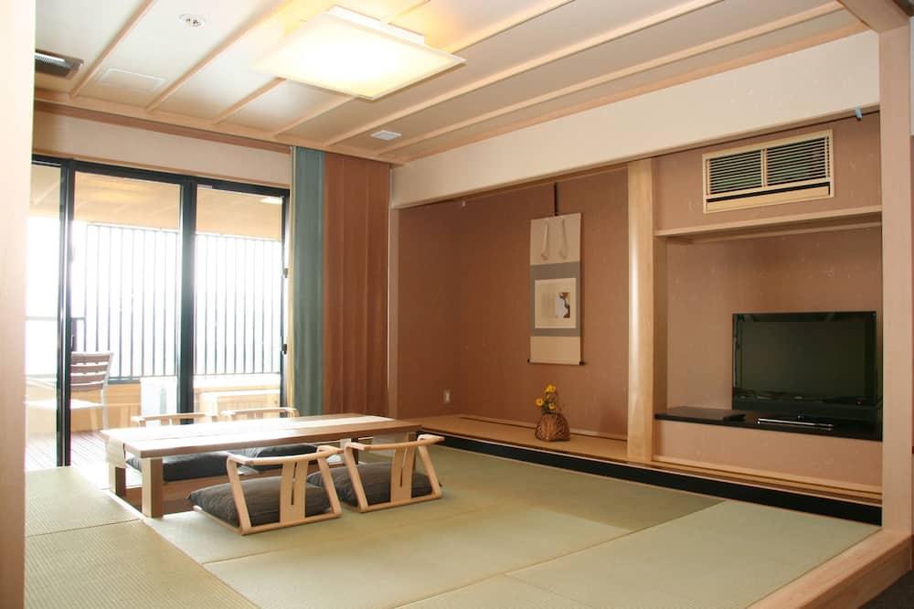 غرفة - بمغطس ساخن (Japanese Western Style, Type H) - منطقة المعيشة