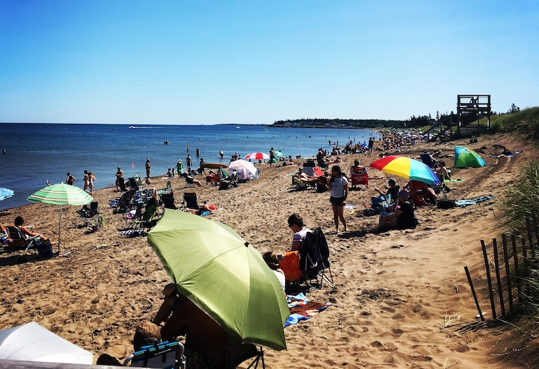 Le Griffon B&B, Shediac, Beach