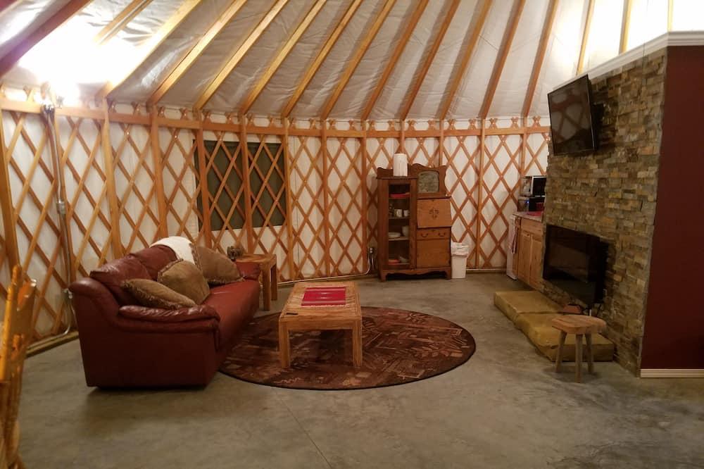Cazenovia Yurt with Kitchenette and Full Bathroom (Breakfast Items Provided) - Living Area