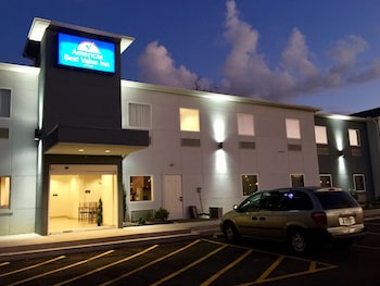 Picture of Americas Best Value Inn Baton Rouge College Drive in Baton Rouge