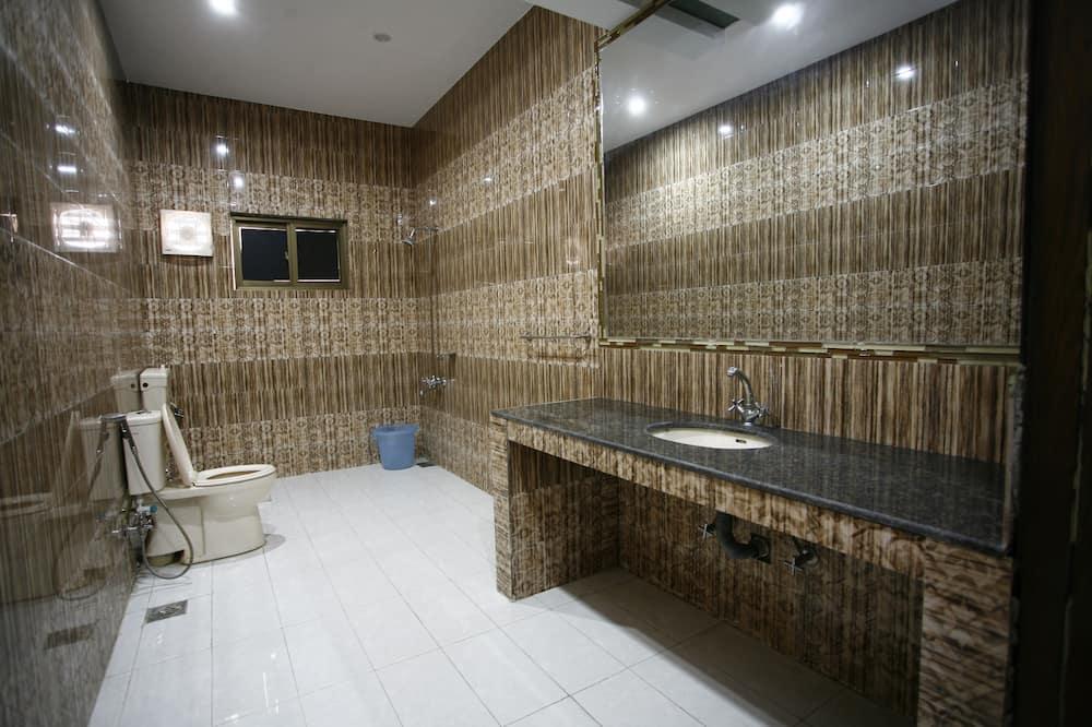 Chambre Double (Queen) - Salle de bain