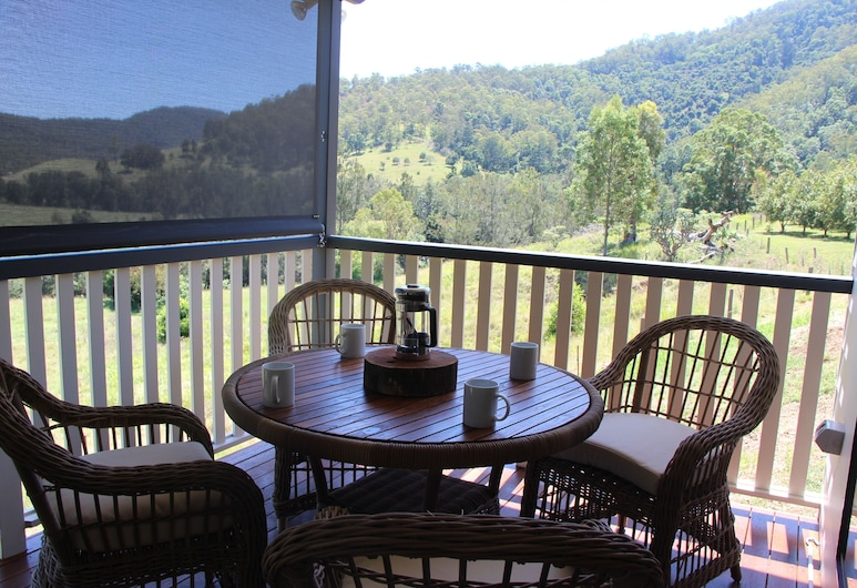 Greenlee Cottages, Sarabah, Woodcutters Cottage (Accessible), Terrace/Patio