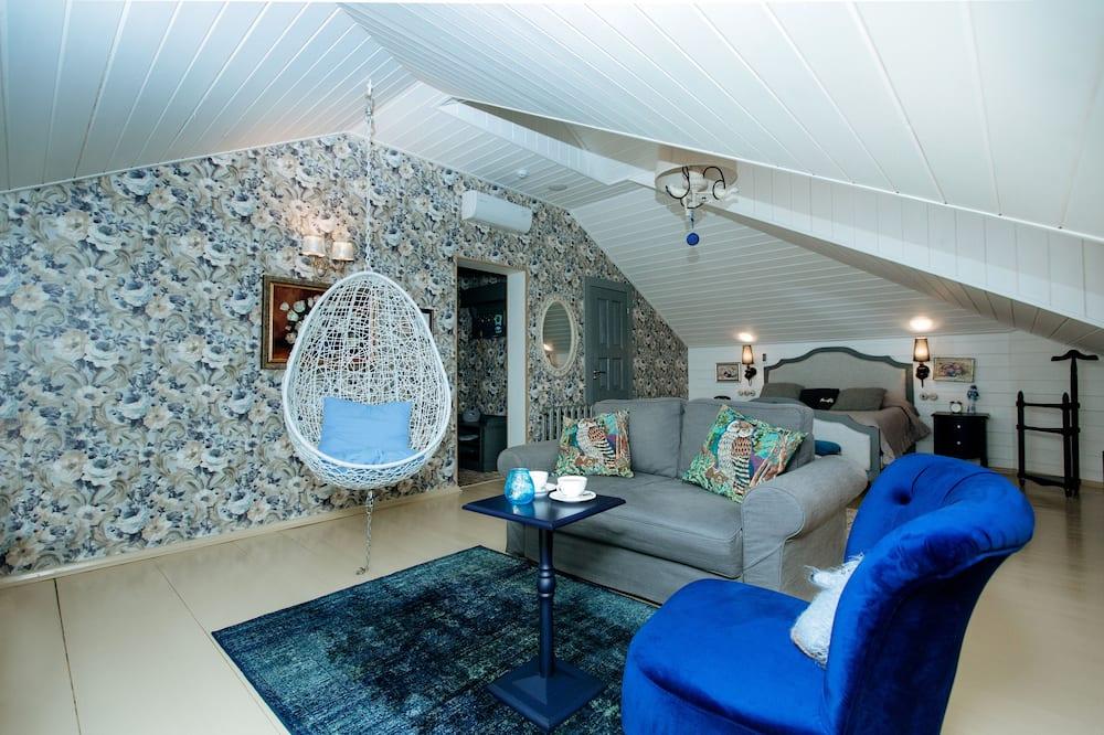 Junior Suite (Hammock) - Living Area