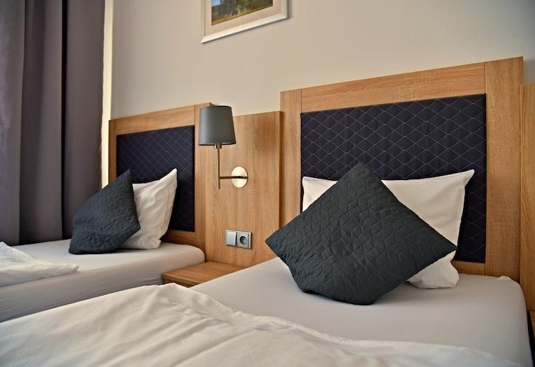 Hotel Bobr, Chomutov, Třílůžkový pokoj typu Comfort, 1 ložnice, Pokoj