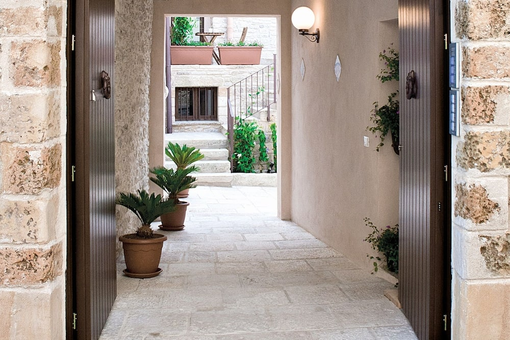 Вхід до помешкання