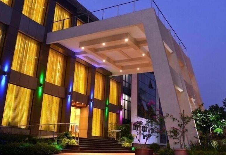 클럽 에메랄드, 뭄바이