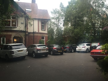 Picture of Oakfield Lodge Guest House in Stockport