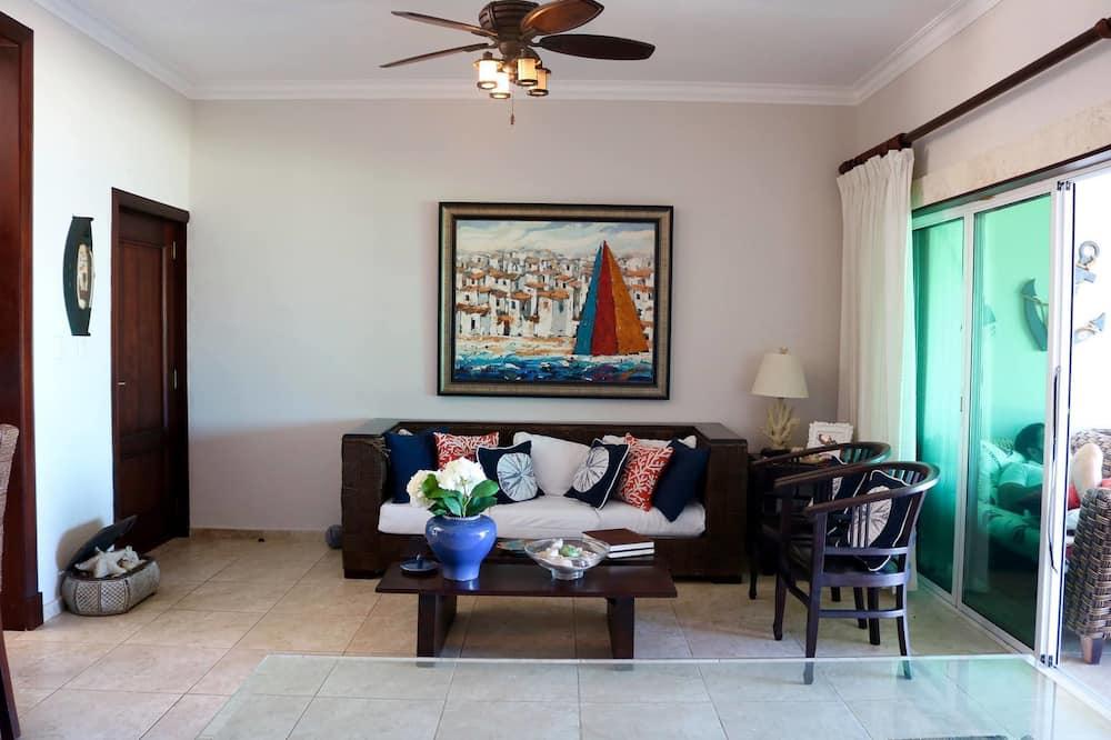 Three Bedroom Apartment, Ocean View  - Living Room