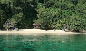 Picture of The Alternative Beach Cottages in El Nido