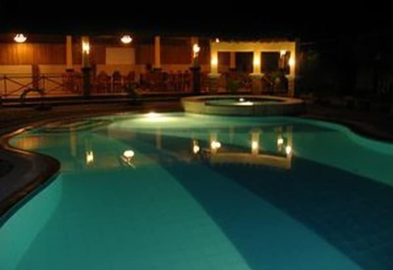 La Solana Suites And Resort, Puerto Galera, Outdoor Pool