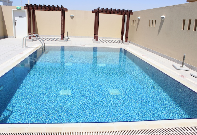 Montreal Naif Hotel, Dubaj, Bazén na střeše