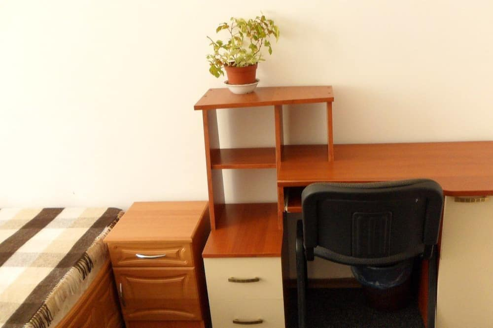 Economy Triple Room - Living Area