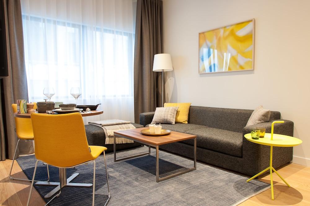 PREMIER SUITES PLUS Rotterdam in Rotterdam - Hotels.com