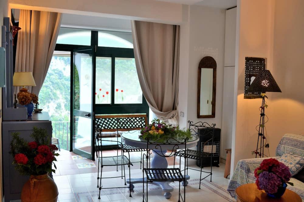 Апартаменты, 2 спальни, вид на море (Via Monsignor Saverio, 5) - Гостиная