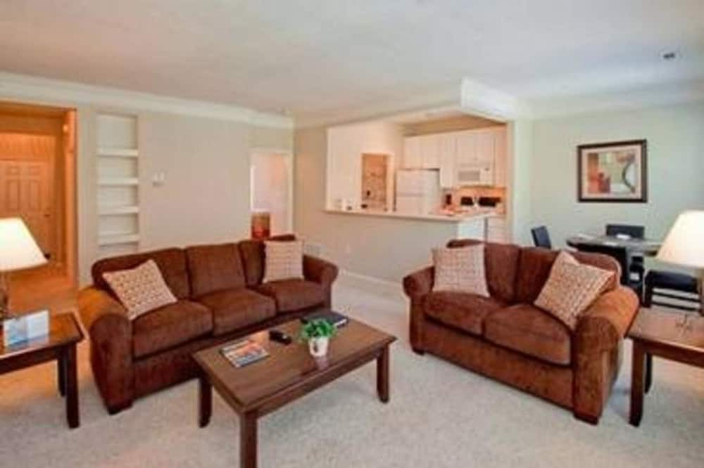 Standard Room, 2 Bedrooms - Living Room