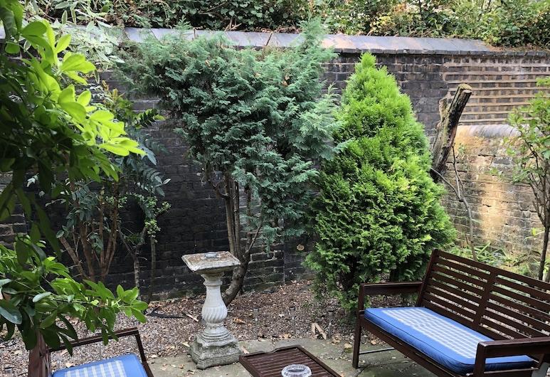 傑斯蒙酒店, 倫敦, 花園