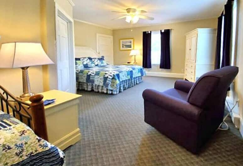 Carriage House Motel Cottages & Suites, Wells, Suite, Beberapa Tempat Tidur, Kamar Tamu