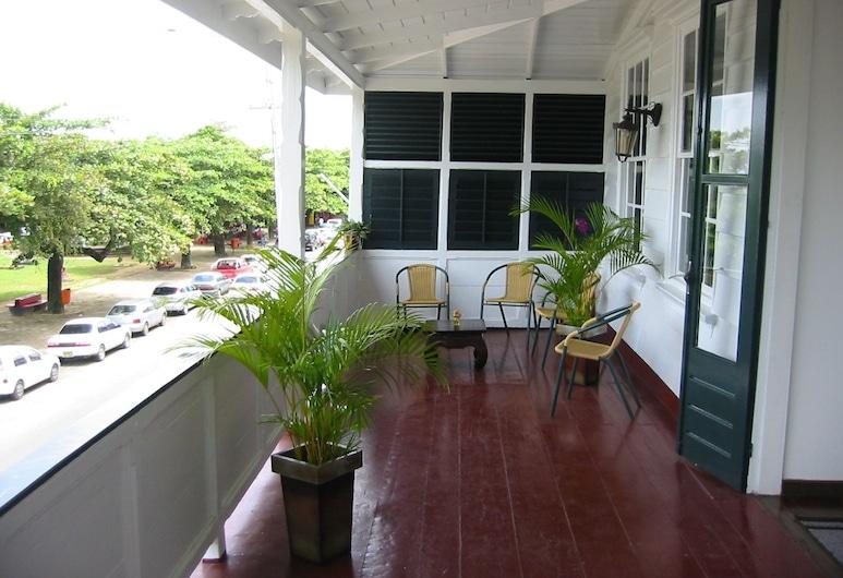 La Petite Maison, Paramaribo, Balcony