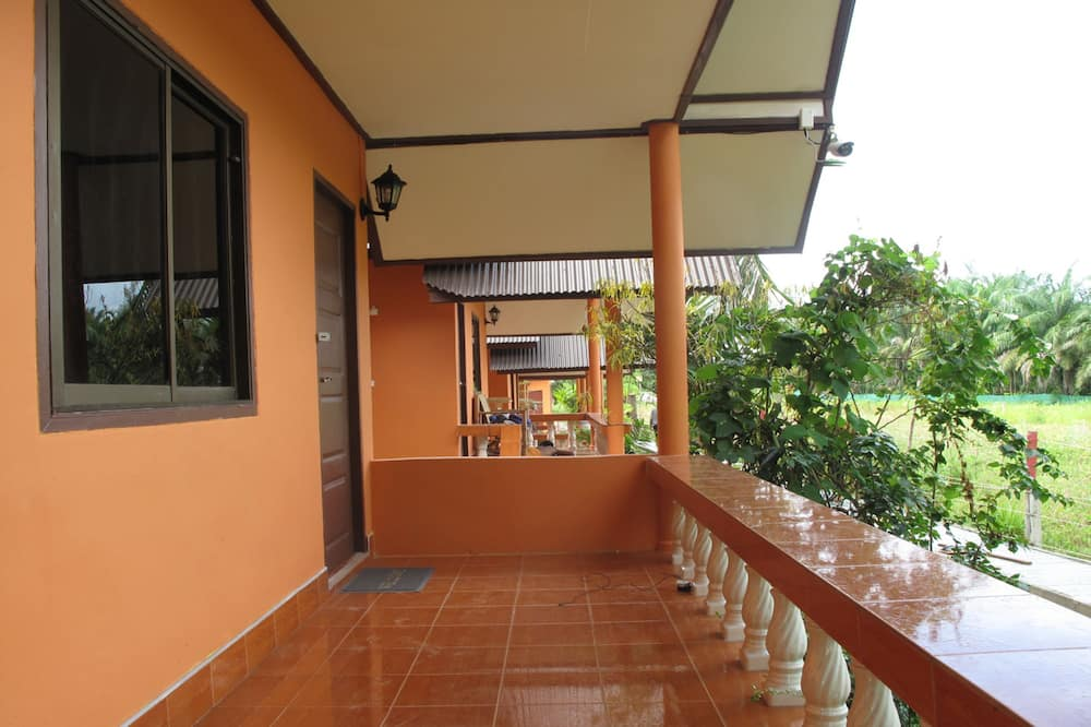 Standard Air Conditioned Room - Balkon