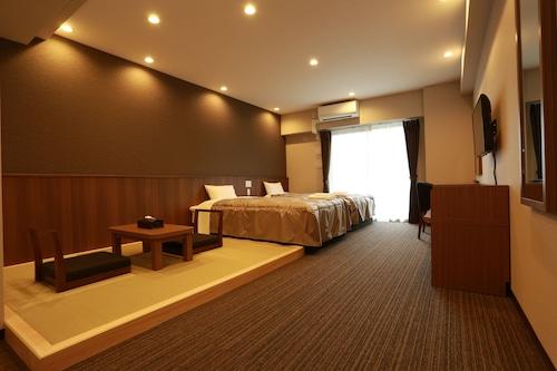 東堺基本公寓飯店/