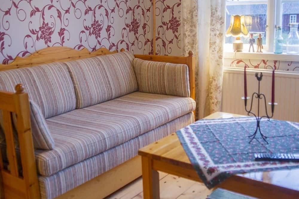 Quadruple Room - Living Area